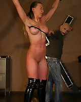 Three bullwhips for hot blonde